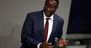 Απειλητικά μηνύματα σε μαύρο βουλευτή της Γερμανίας