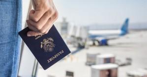 25 συλλήψεις για πλαστά διαβατήρια στο αεροδρόμιο Ηρακλείου