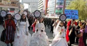 «Παντρέψου τον βιαστή σου»: Οργή στην Τουρκία για το αναχρονιστικό νομοσχέδιο