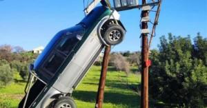 Κύπρος: Αγροτικό κρεμάστηκε σε κολόνα ηλεκτροδότησης