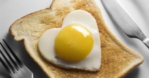 Τι συμβαίνει στην καρδιά αν τρώτε ένα αυγό κάθε μέρα