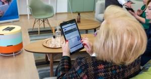 COSMOTE: Νέα τμήματα εκμάθησης ψηφιακών μέσων για άτομα μεγαλύτερης