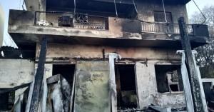 Καφετέρια στην Ιεράπετρα τυλίχτηκε στις φλόγες! Δείτε φωτογραφίες της καταστροφής