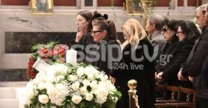 Κώστας Βουτσάς: Το τελευταίο αντίο στον αξέχαστο ηθοποιό - Πλήθος κόσμου στην κηδεία