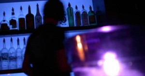 Δεκαπενθήμερο λουκέτο και πρόστιμο σε δυο ακόμα υπαίθρια μπαρ των Χανίων