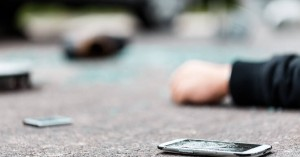 Μεθυσμένος οδηγός διαμέλισε και σκότωσε πεζό και μετά τον έβαλε συνοδηγό στο αμάξι του
