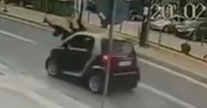 Αυτοκίνητο παρέσυρε μητέρα και παιδί στο Ρέθυμνο - Σοκαριστικό βίντεο