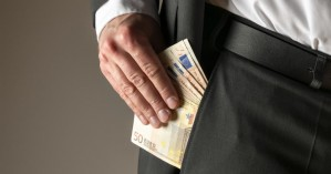 Απατεώνες προσπαθούν να εξαπατήσουν επιχειρηματίες και στα Χανιά - Το ΕΒΕΧ προειδοποιεί