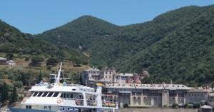Άγιον Όρος: Σε καραντίνα οι 50 προσκυνητές που επέβαιναν στο ίδιο καράβι με τον μοναχο