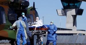 Γαλλία: Στρατιωτικά ελικόπτερα μεταφέρουν στο εξωτερικό ασθενείς με Covid-19