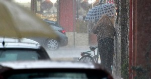 Κακοκαιρία με βροχές και καταιγίδες στα δυτικά