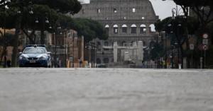 Κορονοϊός Ιταλία: Στους 11.591 οι νεκροί – Μεσίστιες οι σημαίες σε ένδειξη πένθους