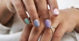 Πώς θα βάψετε άψογα τα νύχια σας στο σπίτι (βίντεο)
