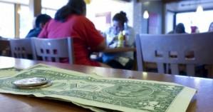 Πελάτης άφησε φιλοδώρημα 10.000 δολαρίων σε εστιατόριο που κλείνει λόγω κορωνοϊού