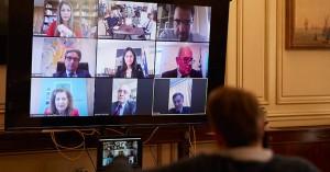 Τηλεδιάσκεψη του Μητσοτάκη με την ηγεσία του Παιδείας για τηλεκπαιδευση και πανελλαδικες