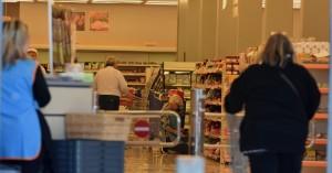 Πάσχα: Πώς θα λειτουργούν οι λαϊκές αγορές - Το ωράριο σε σούπερ μάρκετ Μεγάλη Εβδομάδα