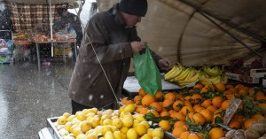 Νέα μέτρα- Λαϊκές αγορές: Ο παραγωγός θα δηλώνει που «μένει» και θα του στέλνουν προϊόντα