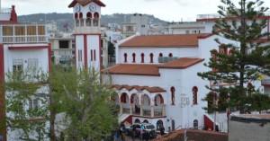Καταγγελίες για πιστούς στα Χανιά που προσπαθούν να μπουν σε εκκλησίες (φωτο)