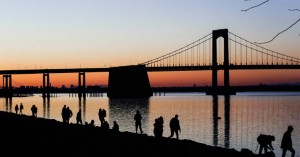Ο κορωνοϊός παρέλυσε τις ΗΠΑ: Άνεργοι 15 εκατ. Αμερικανοί