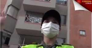 Κορωνοϊός: Αστυνομικοί ψυχαγωγούν και γυμνάζουν πολίτες (vid)
