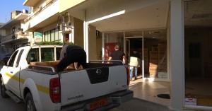Κατ'οίκον διανομή προϊόντων από το Δήμο Μαλεβιζίου σε περισσότερες από 500 οικογένειες
