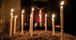Ανάσταση στις 9 το βράδυ με ανοιχτές τις Εκκλησίες και υποχρεωτικά self tests