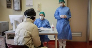 Κορωνοϊός: Τι θα ισχύσει με την αμοιβή γιατρών του ΕΟΠΥΥ και την υπηρεσία τηλεσυμβουλών