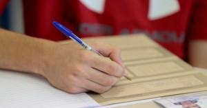 Έτσι θα γίνουν οι Πανελλαδικές: Ένα μάθημα την ημέρα, 5-8 μαθητές ανά τάξη
