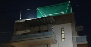 Κορωνοϊός - Απαγόρευση κυκλοφορίας: Καραντίνα και... γήπεδο ποδοσφαίρου στην ταράτσα
