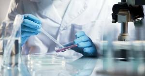 Ξεκίνησε πειραματική θεραπεία με πλάσμα ιαθέντων σε ασθενείς με κορονοϊό