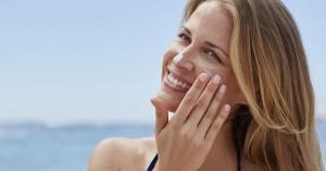 Πώς θα επιλέξετε το κατάλληλο αντηλιακό για το δέρμα σας
