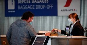 Η γαλλική κυβέρνηση συνιστά στους πολίτες να μην ταξιδέψουν φέτος στο εξωτερικό