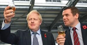 Βρετανία: Τριγμοί στην κυβέρνηση Τζόνσον