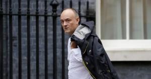 Βρετανία: Ασπίδα ο Τζόνσον στον Κάμινγκς, που έσπασε την καραντίνα