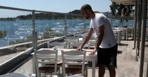 Μεγάλο τεστ: Ανοίγουν εστιατόρια, καφέ, απελευθερώνονται οι μετακινήσεις στα νησιά