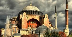 Φιέστα Ερντογάν με προσευχή στην Αγιά Σοφιά την ημέρα Άλωσης της Πόλης