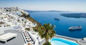 Η Αυστρία παροτρύνει τους πολίτες της να ταξιδέψουν στα ελληνικά νησιά