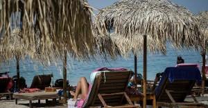 Νόμιμο πλέον το… καφεδάκι στις παραλίες – Τι ισχύει για μπαρ, μουσική και αλκοόλ
