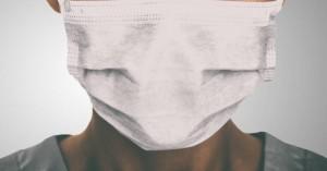 Νέα έρευνα: Πρέπει να φοράμε μάσκα και στο σπίτι;