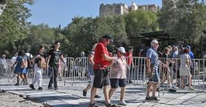 Reuters: Η Ελλάδα ανοιχτή για τουρίστες από 20-25 χώρες στις 15 Ιουνίου