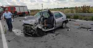 Σοκαριστικό τροχαίο με έναν νεκρό σε σύγκρουση επιβατηγού με φορτηγό  (φωτο)