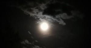 Πανσέληνος και έκλειψη παρασκιάς Σελήνης το βράδυ της Παρασκευής, που θα είναι ορατή