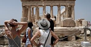 Καθηγητής Βατόπουλος για κορονοϊό: Είναι σαφές ότι θα υπάρξει κίνδυνος με τους τουρίστες