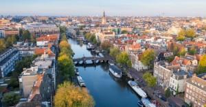 Φινλανδία-Νορβηγία-Ολλανδία: Ξανανοίγουν επιχειρήσεις εστίασης