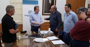 Στην Περιφέρεια Κρήτης το Σωματείο Οδηγών Τουριστικών Λεωφορείων