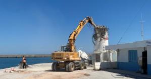Κατεδαφίστηκε φάρος - πυργίσκος στο λιμάνι Ηρακλείου μετά από 50 χρόνια!