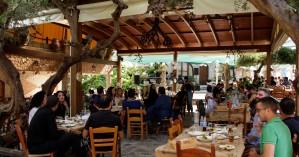 Παραδοσιακό φαγητό και κρητικές βραδιές μέσα στη φύση-Ιδανική επιλογή για το καλοκαίρι