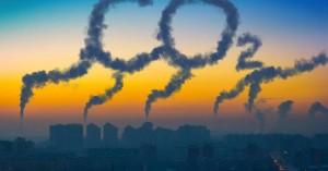 Σε επίπεδα ρεκόρ οι εκπομπές CO2 παρά την πανδημία