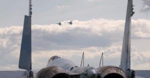 Ρωσία και Αμερική σε επικίνδυνα παιχνίδια πολέμου πάνω από την Ευρώπη