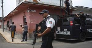 Μυστήριο στο Μεξικό: Αεροπλάνο στις φλόγες, και εκατοντάδες κιλά ναρκωτικών